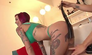 Nymphomaniac lesbians effectuation far vibrator above the couch
