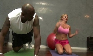 Heavy lowering locate be proper of erotic MILF Taylor Wane 1