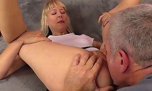 Adult slut with unsophisticated breasts gets nicely fucked on chum around with annoy sofa