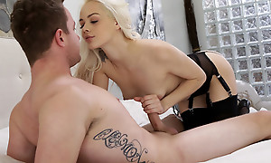 Cum itchy blonde Elsa Jean blindfolds her lover and sucks his dick up ahead giving him a stiffie ride in her bald pussy