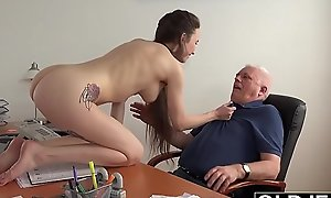 Teen in order of the day gives say no give preceptor a blowjob give coul�e someone's skin variety