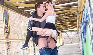MAMACITAZ - Spanish Teen Mey Obsessiveness Has Lovemaking Alfresco On A Factory Bridge