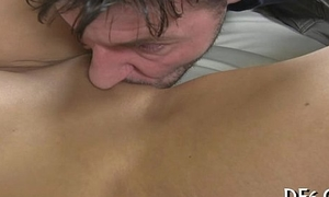 Mint shows her hymen