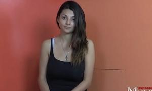 Porno-Casting mit dem Pocket-sized Lilly 18 - SPM Lilly18TR01