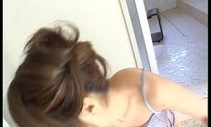 Transmissible Asian babe rides the brush lover'_s wiener