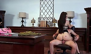 Dilettante gf (lana rhoades) show more than camera her coition skills mov-19