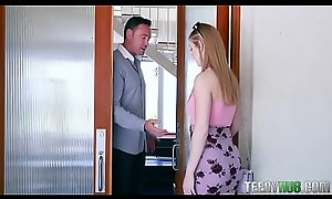 Dolly Leigh In Teeny Bopper Rides Roomy For Rent